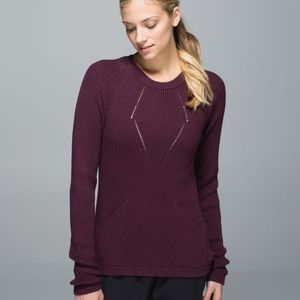 Rare Beautiful Lululemon the sweater the better size 6